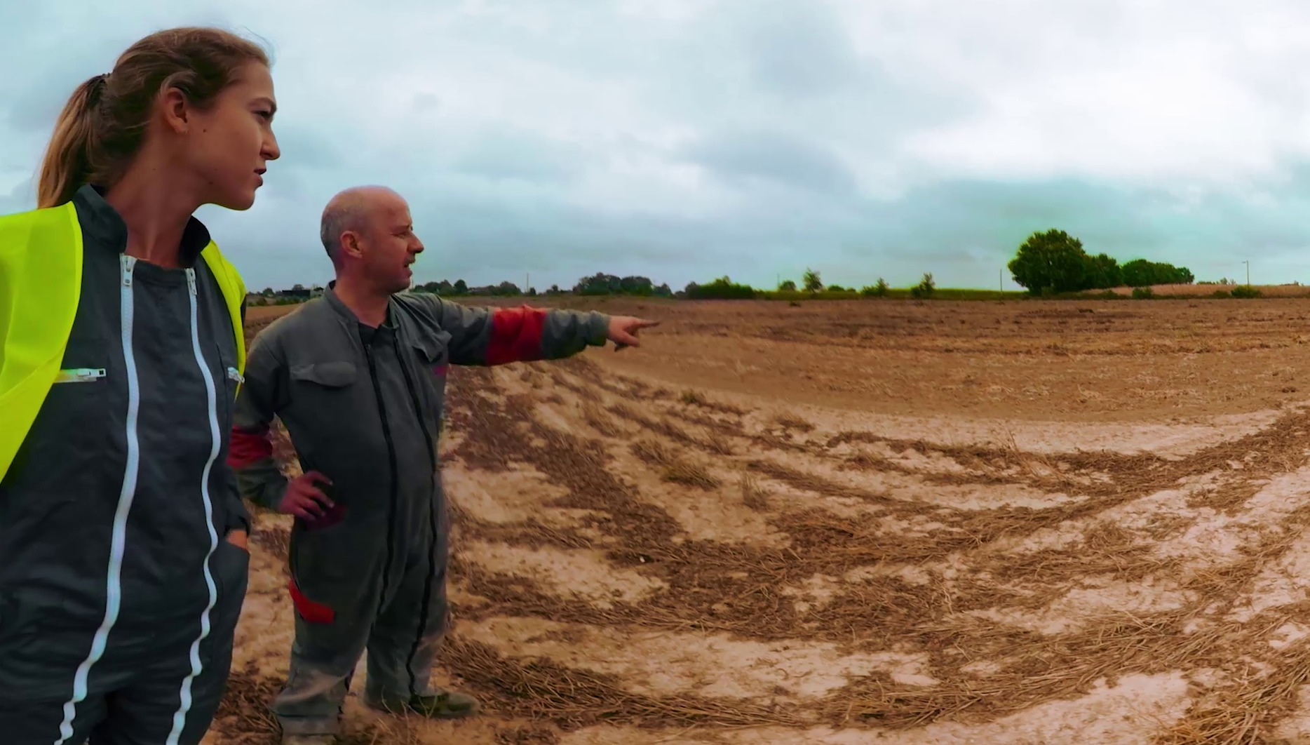 Video : Docu-fiction 360°: apprentie conductrice de travaux en entreprise de travaux agricoles