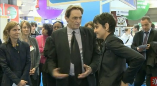 Visite de Najat Vallaud-Belkacem lors du Salon de l'Éducation 2012 thumbnail